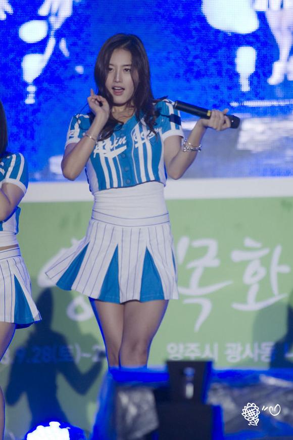 【K POPアイドルエロ画像】『オッパイ揺れまくりwwww』巨乳アイドルが揺れまくりwwとんでもなくエロしこwwww 6 112