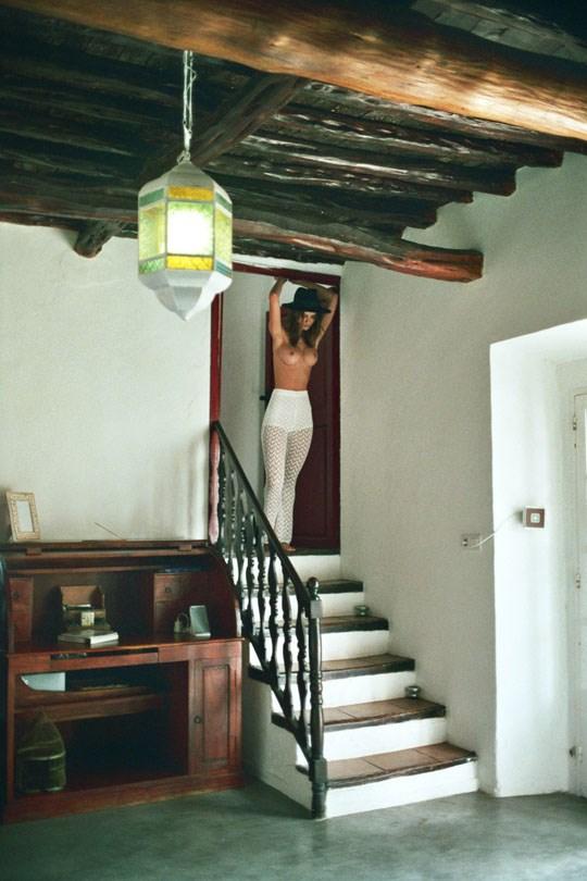 外国人エロ画像!ヨーロッパのベルギー美女が全裸ヌードできれいな体を披露しちゃうwww 6 23