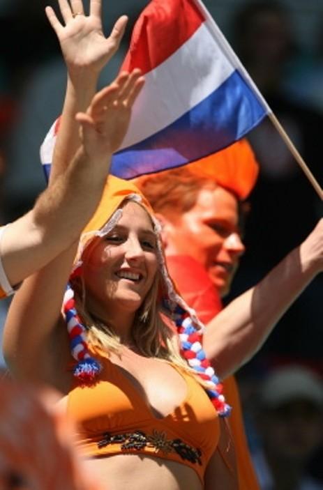 【海外ワールドカップエロ画像】サッカーの応援してる海外美女がオッパイでかすぎてマジでエロ杉注意ーーー❖ 9 117