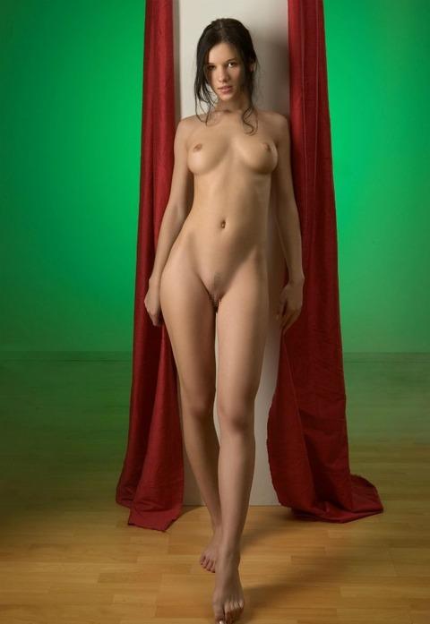 【美脚美女】『足長すぎだろ~~~!!』スレンダー美女がエロい格好で誘惑しまくりwww勃起回避不能wwwwww 9 86