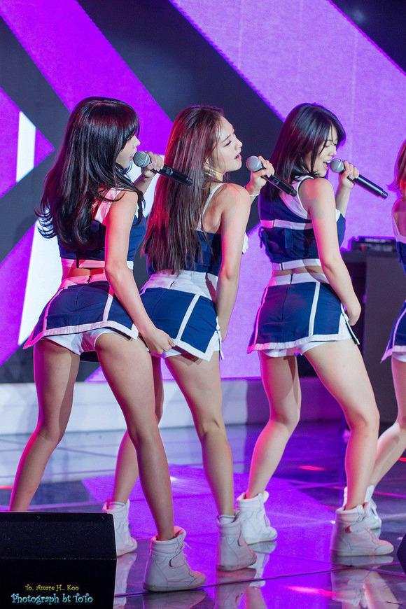 【韓国K POP】『美尻ふりまくり~~~!!』超やばいwスレンダー美女たちが見せるケツ割れがたまらんのwwww 1 16