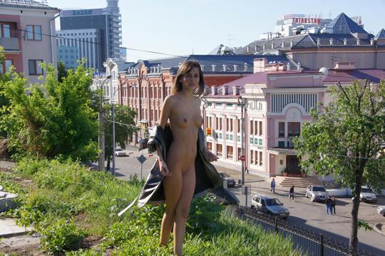 【海外ロシアヌードグラビア撮影】『超SSS級美少女』すっげ~カワイ子ちゃんネットで発見!!後ろからのアングルでオマンコ●見せwwww 1 33