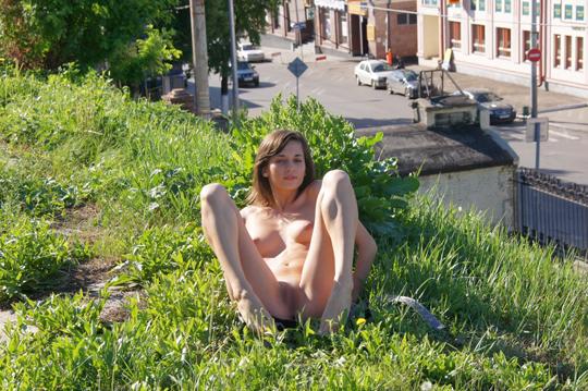 【海外ロシアヌードグラビア撮影】『超SSS級美少女』すっげ~カワイ子ちゃんネットで発見!!後ろからのアングルでオマンコ●見せwwww 16 27