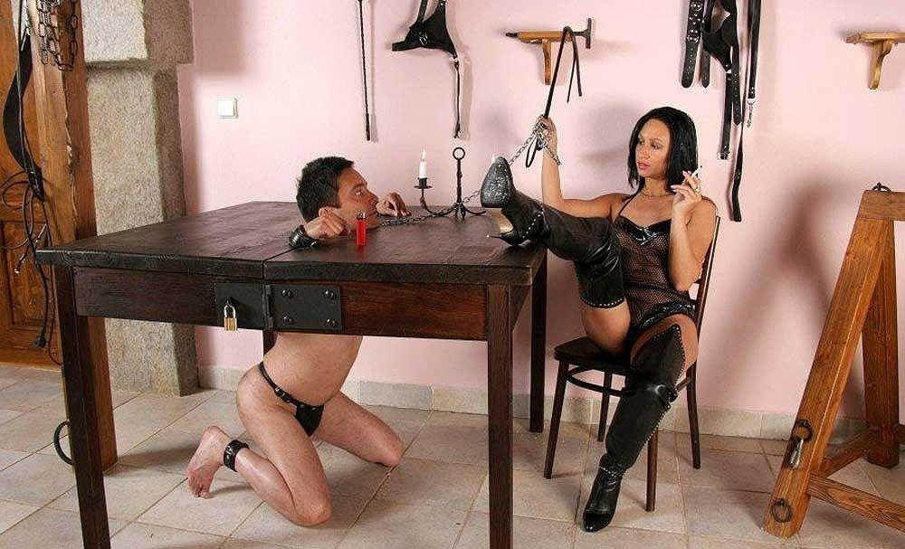 【ボンテージSM】マニアには最高っす!!爆乳美女がムチでたたいてくれちゃうなんてw外人ポルノエロ画像wwww 16 70
