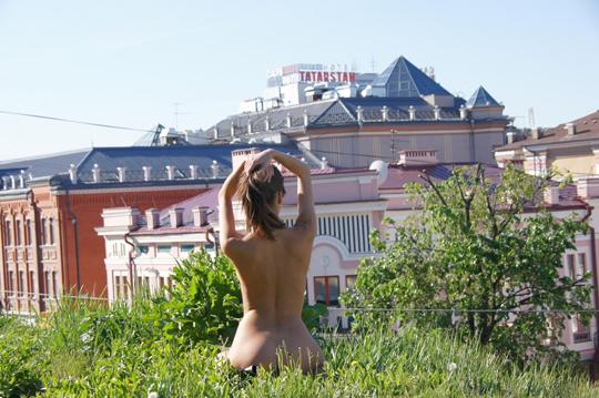 【海外ロシアヌードグラビア撮影】『超SSS級美少女』すっげ~カワイ子ちゃんネットで発見!!後ろからのアングルでオマンコ●見せwwww 19 23