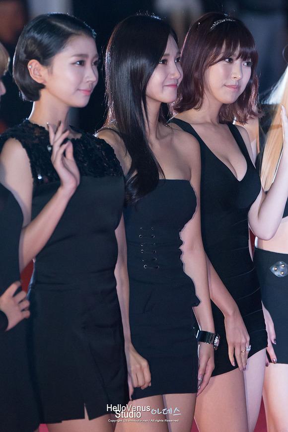 【韓国K POP】『美尻ふりまくり~~~!!』超やばいwスレンダー美女たちが見せるケツ割れがたまらんのwwww 20 11