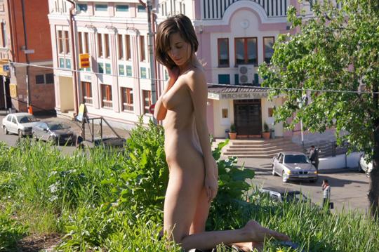 【海外ロシアヌードグラビア撮影】『超SSS級美少女』すっげ~カワイ子ちゃんネットで発見!!後ろからのアングルでオマンコ●見せwwww 21 22