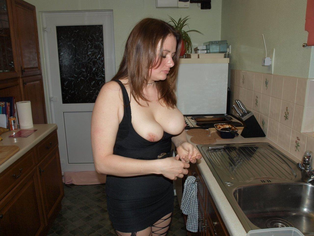 【海外ポルノエロ画像】お家でおふざけで撮った写真がネットで流失しちゃってるんだけどwwwwwwwwwwどういうこと!!! 27 82