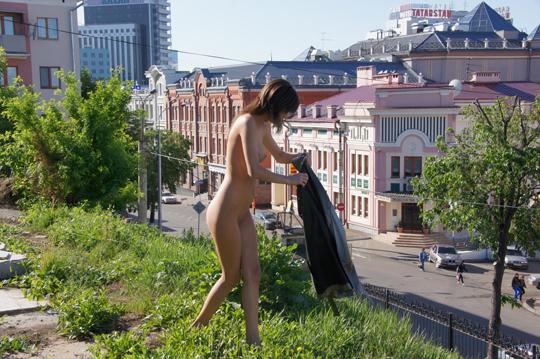 【海外ロシアヌードグラビア撮影】『超SSS級美少女』すっげ~カワイ子ちゃんネットで発見!!後ろからのアングルでオマンコ●見せwwww 3 34