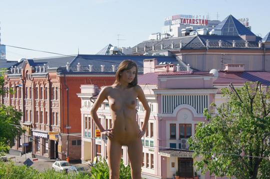 【海外ロシアヌードグラビア撮影】『超SSS級美少女』すっげ~カワイ子ちゃんネットで発見!!後ろからのアングルでオマンコ●見せwwww 30 6