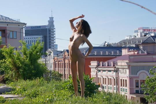 【海外ロシアヌードグラビア撮影】『超SSS級美少女』すっげ~カワイ子ちゃんネットで発見!!後ろからのアングルでオマンコ●見せwwww 32 4