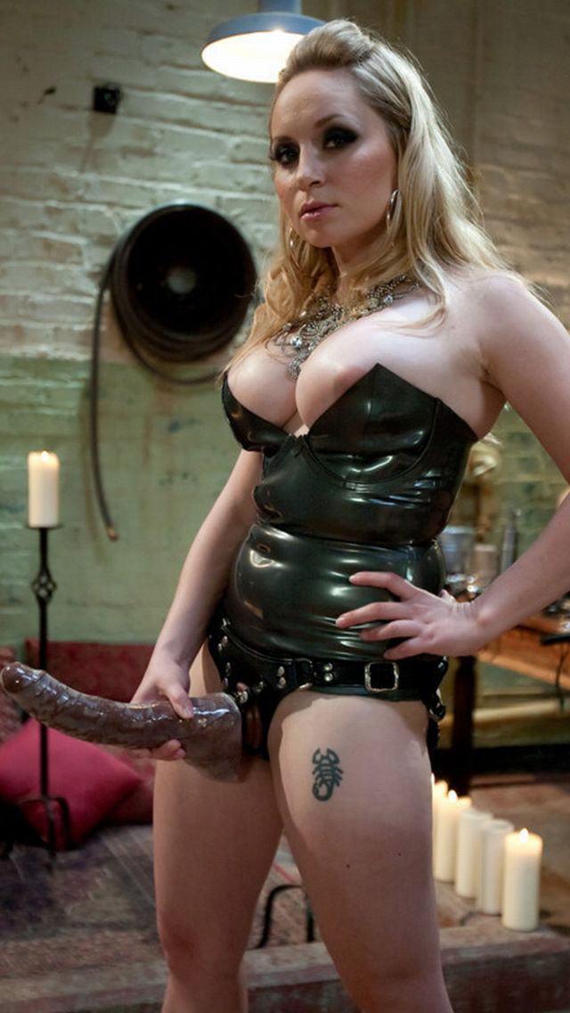 【ボンテージSM】マニアには最高っす!!爆乳美女がムチでたたいてくれちゃうなんてw外人ポルノエロ画像wwww 33 31