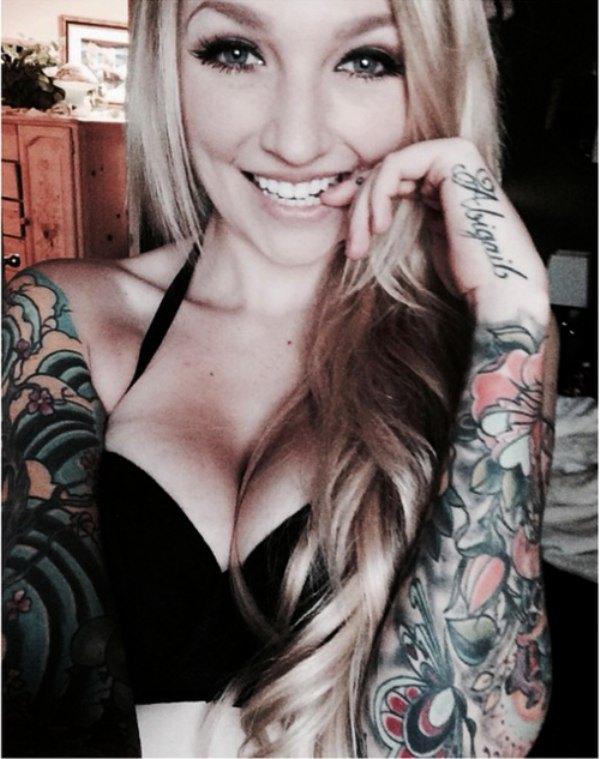 【これぞ外人!!】『入れ墨タトゥーいれまくりwww』超色っぽい極上美女たちが全身墨入れて気合い入れまくりwwwwwwwwwwwww 45 20