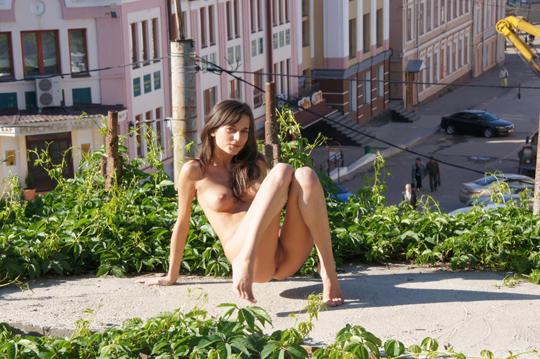 【海外ロシアヌードグラビア撮影】『超SSS級美少女』すっげ~カワイ子ちゃんネットで発見!!後ろからのアングルでオマンコ●見せwwww 52