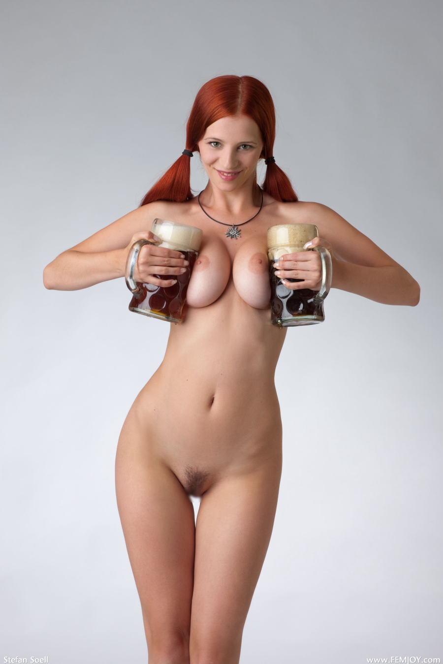 【世界のポルノ極上美女】『マジですごすぎるぞwwww』超おすすめ赤髪美女が拳銃もってヌード写真撮っちゃう<<<<<<<< 6 93