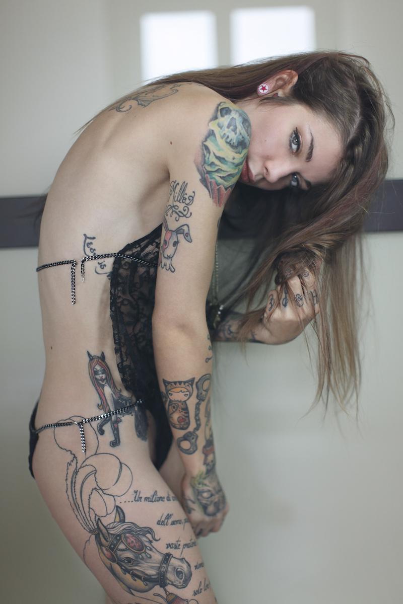 【これぞ外人!!】『入れ墨タトゥーいれまくりwww』超色っぽい極上美女たちが全身墨入れて気合い入れまくりwwwwwwwwwwwww 7 107