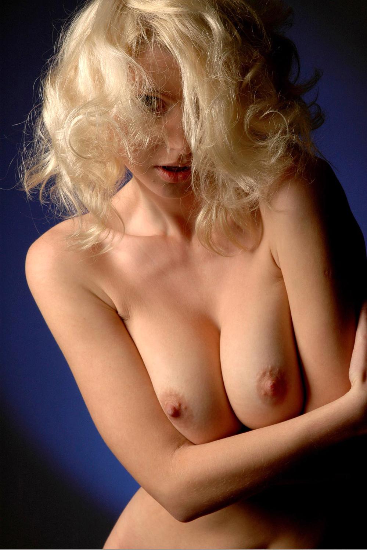【世界一の美女】『マジでいちばんかもな!?』スタイルも最高で乳輪ピンクとかw申し訳ない逸材発見!外人ポルノエロ画像!!!!! 7 112