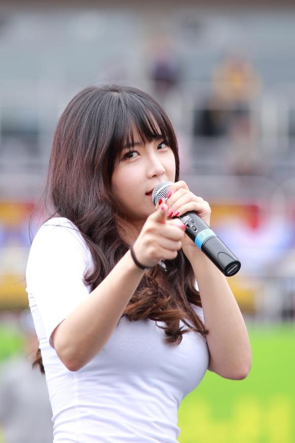 【韓国K POP】『美尻ふりまくり~~~!!』超やばいwスレンダー美女たちが見せるケツ割れがたまらんのwwww 8 16