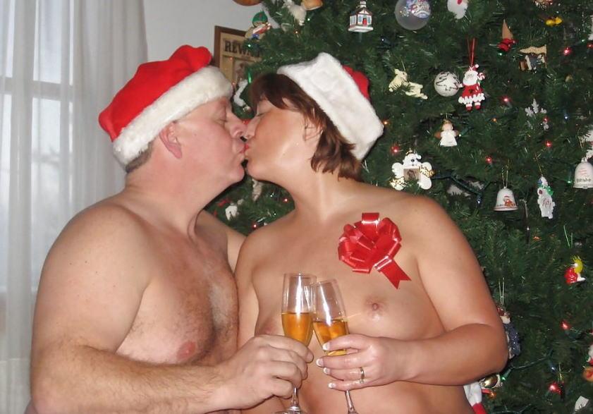 【勃起回避不能w】『サンタクロースエロすぎるだろw』外国人がクリスマスでおふざけしちゃうエロ画像wwwww 1 98