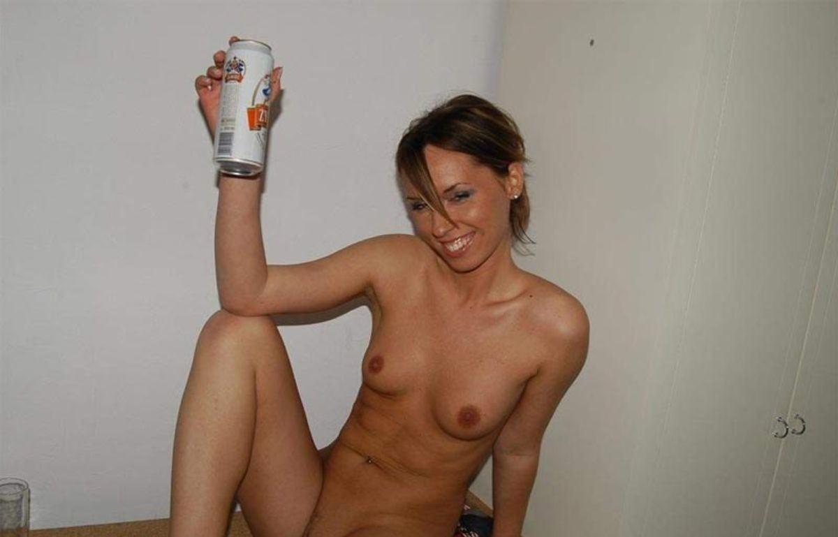 【カンパーイw】外国人が酔っぱらった状態で全裸●見せ海外ポルノエロ画像wwwwww 11 87