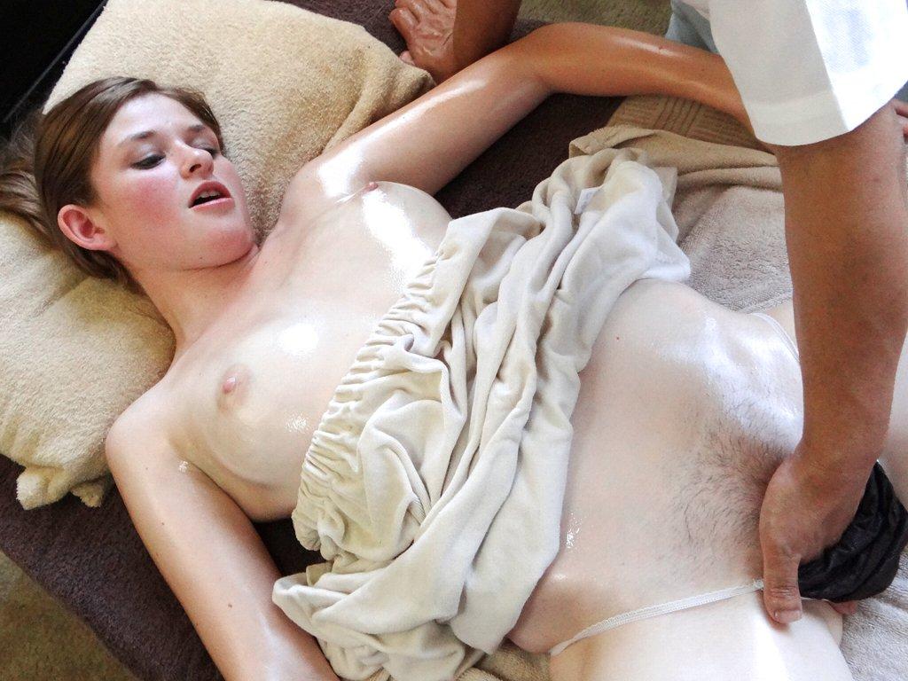 【オマンコ手マンポルノ画像】ずっぽり挿入させちゃうwもろ見せ世界のエロ写真集wwwww 25 44