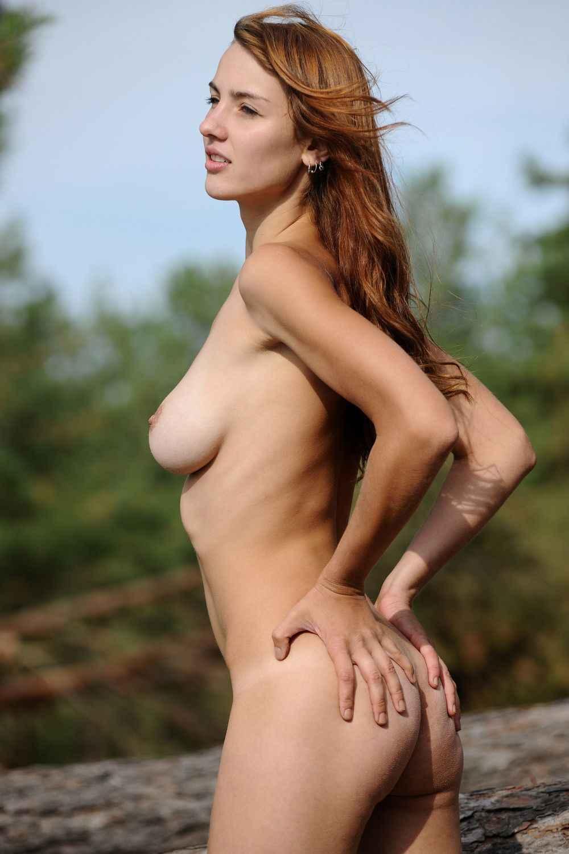【野外で全裸ヌード!】(゚∀゚)キタコレ!!スタイル抜群ボイン巨乳美少女たちがお外でおっぱいおまんこ●見せwww 26 38