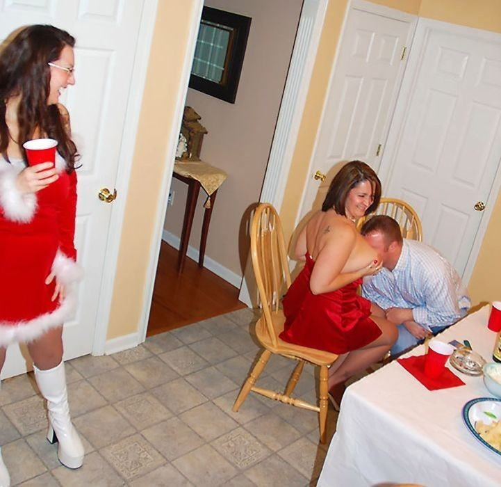 【勃起回避不能w】『サンタクロースエロすぎるだろw』外国人がクリスマスでおふざけしちゃうエロ画像wwwww 36 34