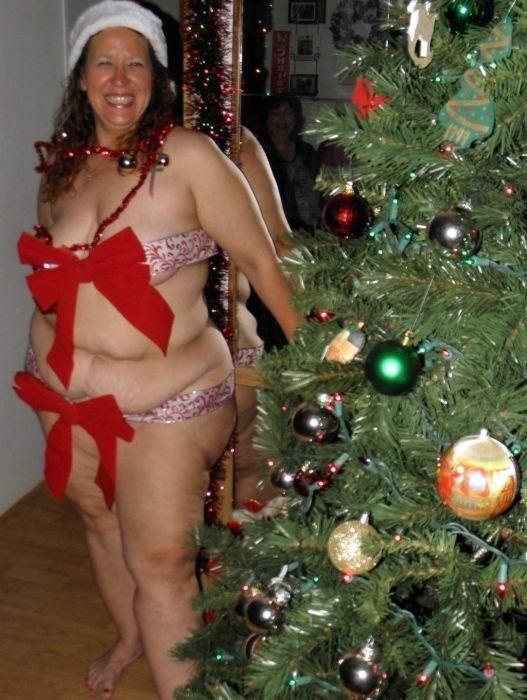 【勃起回避不能w】『サンタクロースエロすぎるだろw』外国人がクリスマスでおふざけしちゃうエロ画像wwwww 4 97