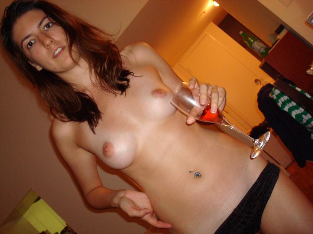 【カンパーイw】外国人が酔っぱらった状態で全裸●見せ海外ポルノエロ画像wwwwww 8 87