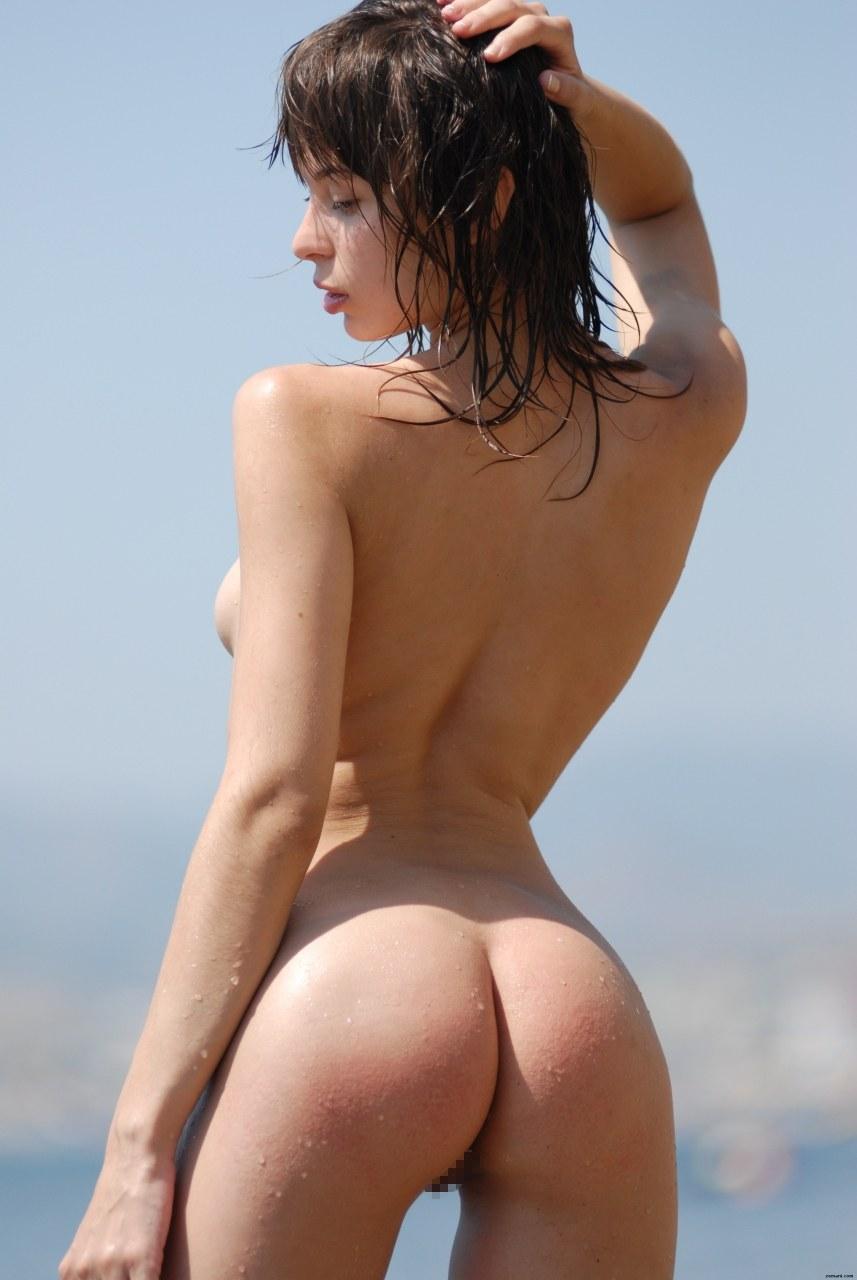 【野外で全裸ヌード!】(゚∀゚)キタコレ!!スタイル抜群ボイン巨乳美少女たちがお外でおっぱいおまんこ●見せwww 9 39