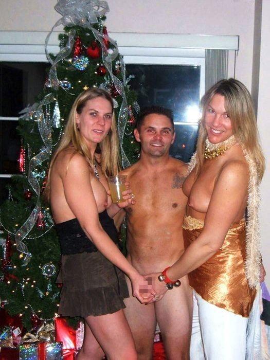 【勃起回避不能w】『サンタクロースエロすぎるだろw』外国人がクリスマスでおふざけしちゃうエロ画像wwwww 9 95