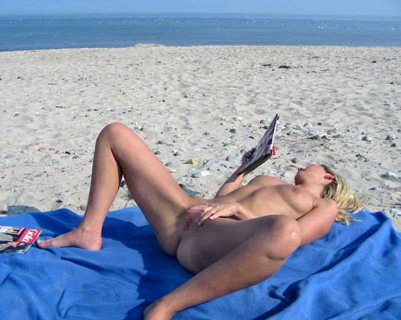 ---❖(゚∀゚)キタコレ!!早期削除注意ーー海岸でオマンコ●見せの外国人発見wwwww 10 19