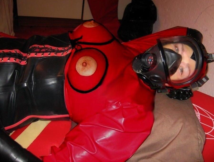 なんじゃ!!?これヤバwwwーーー❖毒ガスマスクしてセックスするド変態外国人のポルノエロ画像wwwwwww 10 32