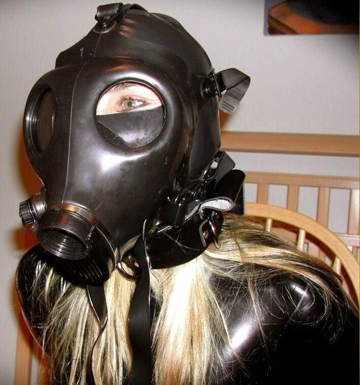 なんじゃ!!?これヤバwwwーーー❖毒ガスマスクしてセックスするド変態外国人のポルノエロ画像wwwwwww 11 32