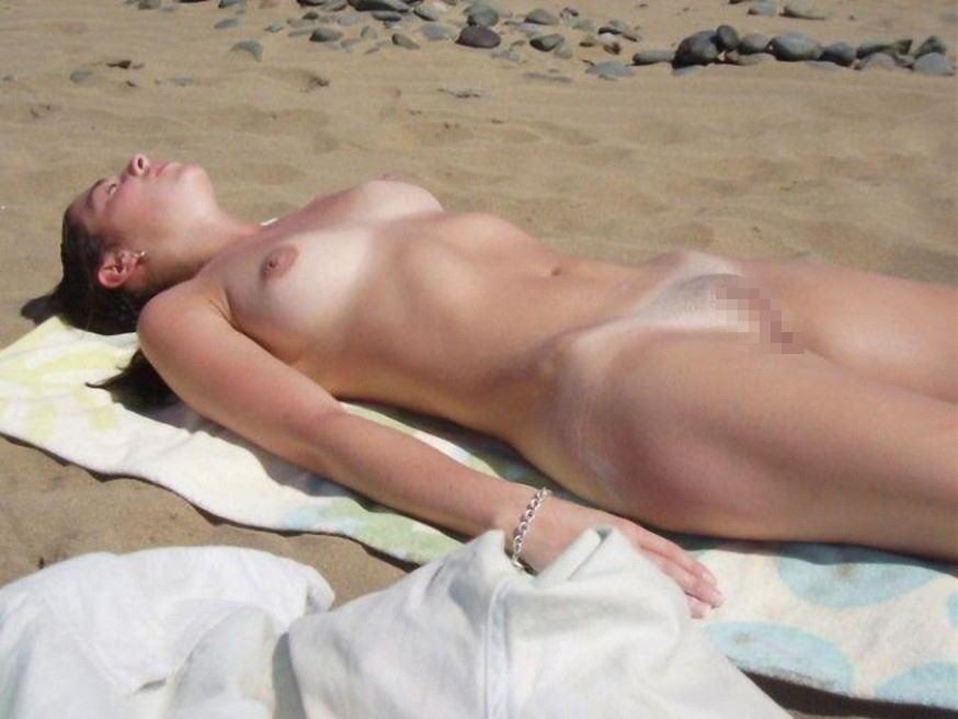 ---❖(゚∀゚)キタコレ!!早期削除注意ーー海岸でオマンコ●見せの外国人発見wwwww 12 19