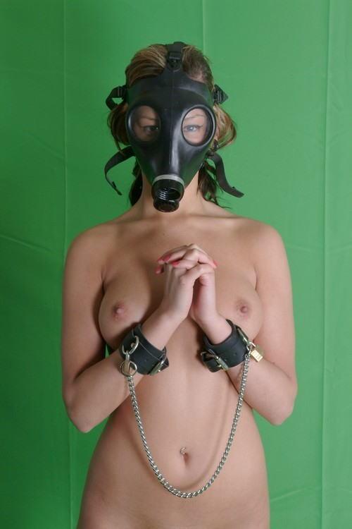 なんじゃ!!?これヤバwwwーーー❖毒ガスマスクしてセックスするド変態外国人のポルノエロ画像wwwwwww 12 32