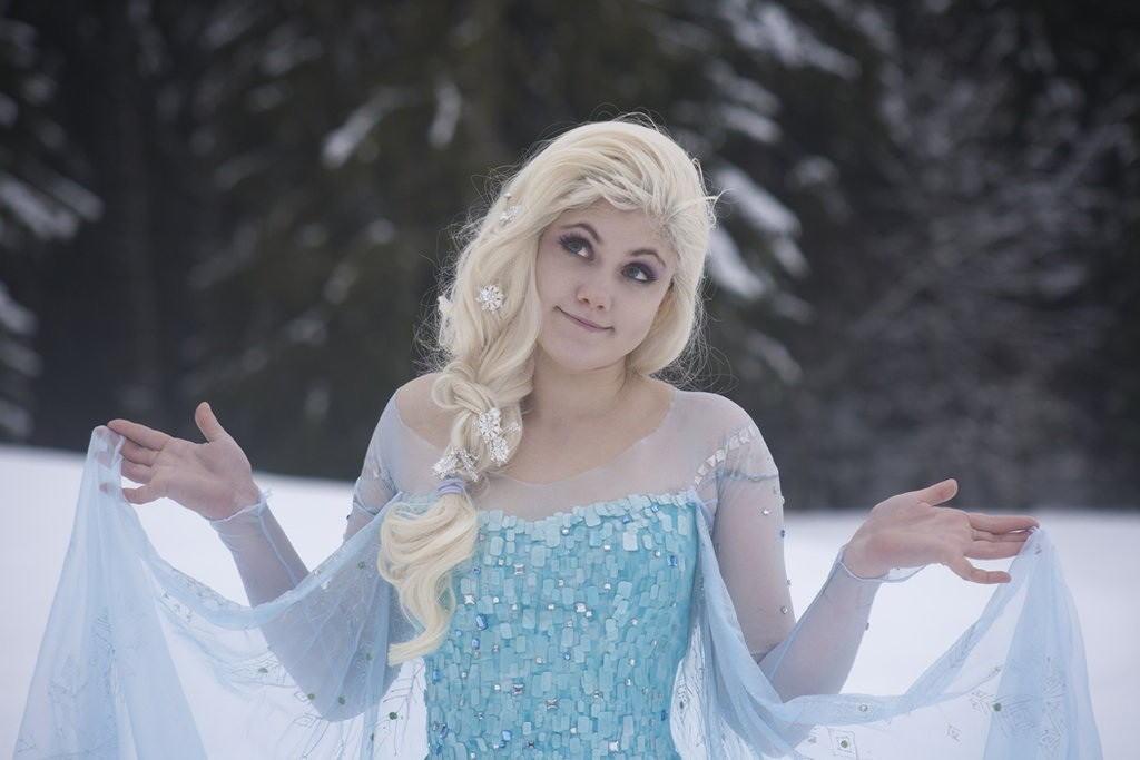【アナ雪コス】アナと雪の女王 エルサのコスプレ姿がエロすぎる外国人ポルノエロ画像www 14 110