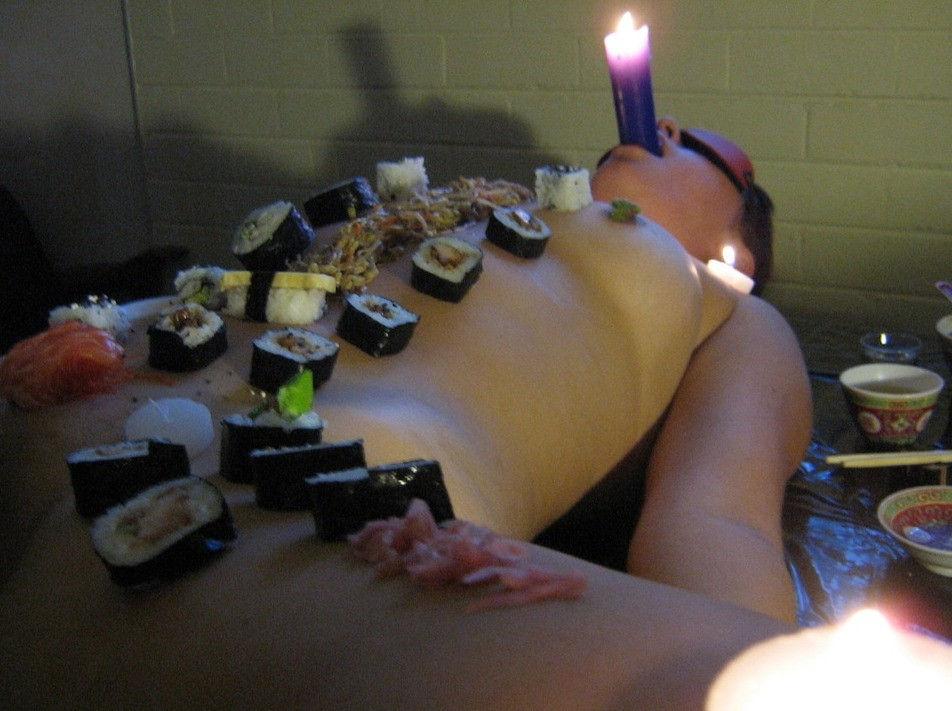 ーーーーー❖超レア画像ww女体盛りされちゃう外国人ポルノエロ画像wwwww 14 132