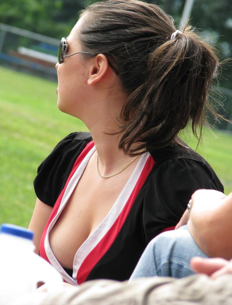 【巨乳外国人町撮り】マダムの美熟女オッパイを狙って撮影したポルノエロ画wwwwww 14 60