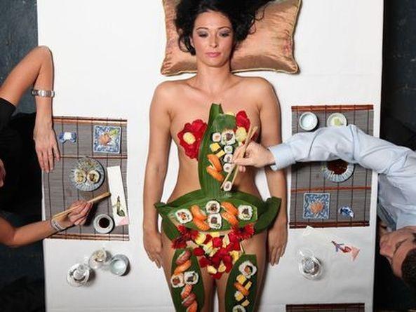 ーーーーー❖超レア画像ww女体盛りされちゃう外国人ポルノエロ画像wwwww 15 132