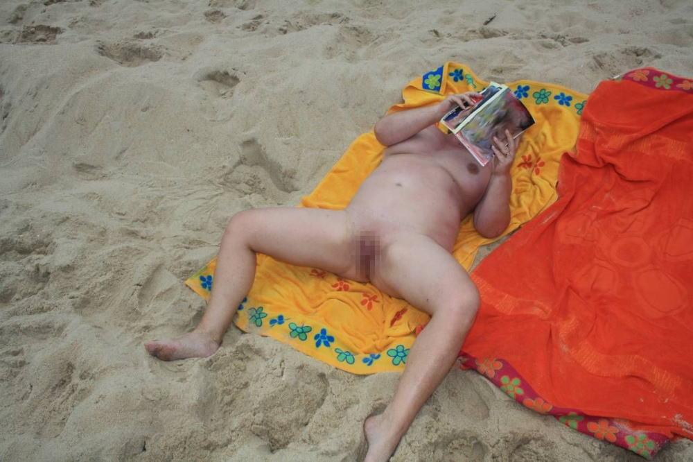 ---❖(゚∀゚)キタコレ!!早期削除注意ーー海岸でオマンコ●見せの外国人発見wwwww 15 19