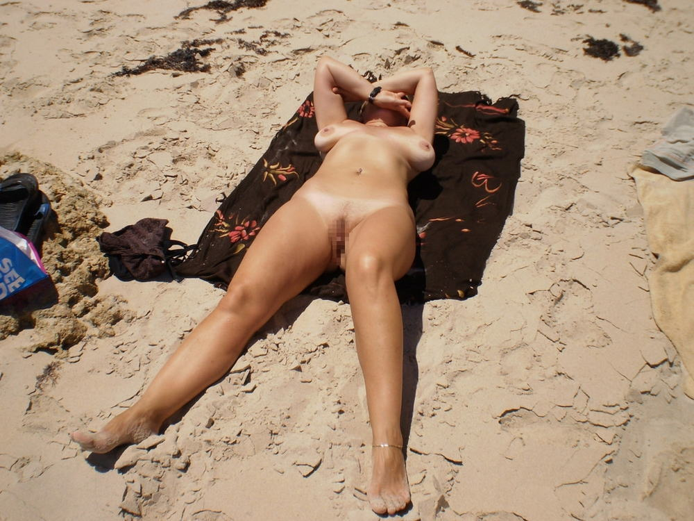 ---❖(゚∀゚)キタコレ!!早期削除注意ーー海岸でオマンコ●見せの外国人発見wwwww 16 19