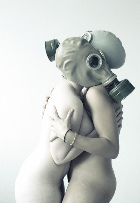 なんじゃ!!?これヤバwwwーーー❖毒ガスマスクしてセックスするド変態外国人のポルノエロ画像wwwwwww 16 32