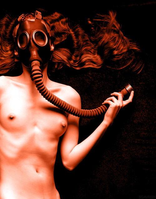 なんじゃ!!?これヤバwwwーーー❖毒ガスマスクしてセックスするド変態外国人のポルノエロ画像wwwwwww 17 32
