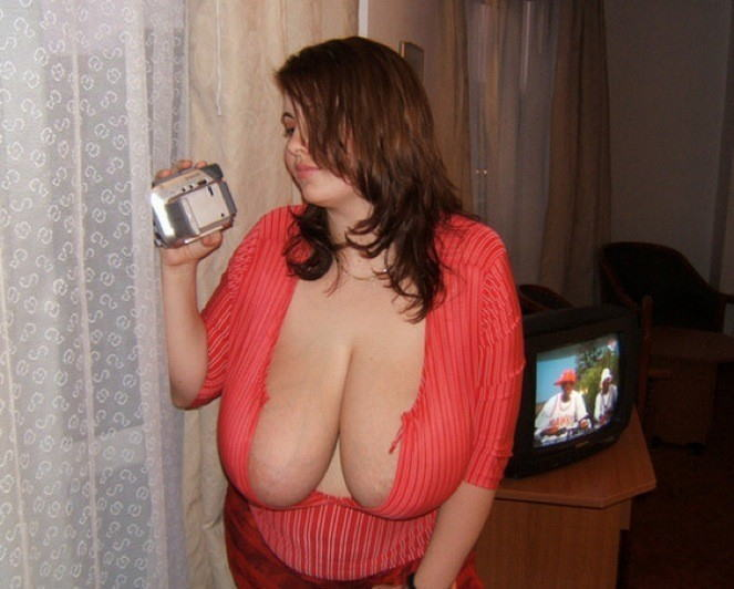 【爆乳オッパイエロ画像】(゚∀゚)キタコレ!!世界の美女のレベルを見せつける超乳が半端ないってwwwwwww 18 81
