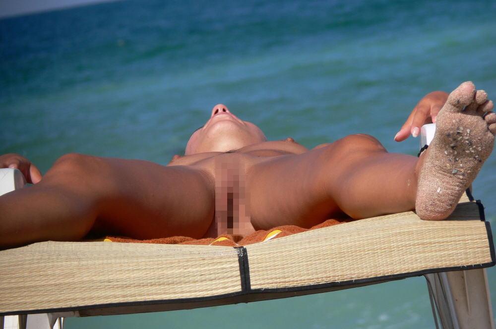 ---❖(゚∀゚)キタコレ!!早期削除注意ーー海岸でオマンコ●見せの外国人発見wwwww 19 19