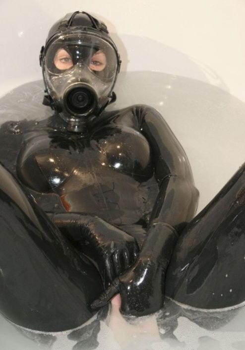 なんじゃ!!?これヤバwwwーーー❖毒ガスマスクしてセックスするド変態外国人のポルノエロ画像wwwwwww 19 32