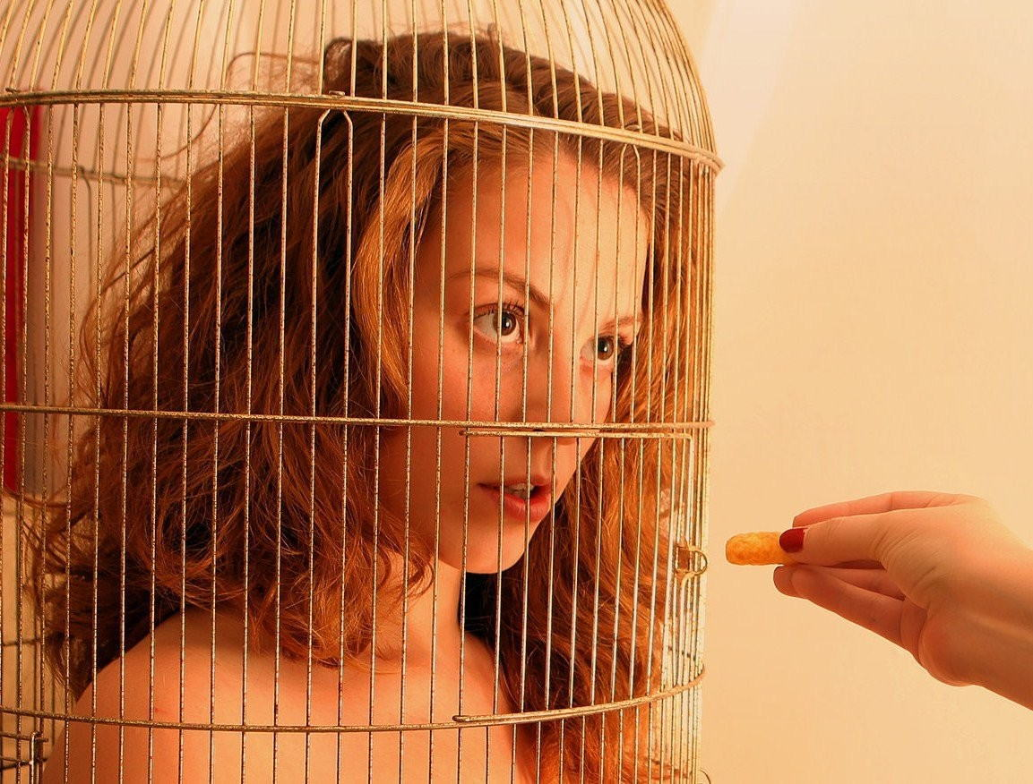 【調教奴隷外人エロ画像】『鳥かごにいれちゃうぞwww』まじでやば杉wやりたい放題し放題wwwwwwww 19 35