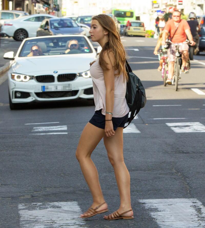【巨乳外国人町撮り】マダムの美熟女オッパイを狙って撮影したポルノエロ画wwwwww 19 60
