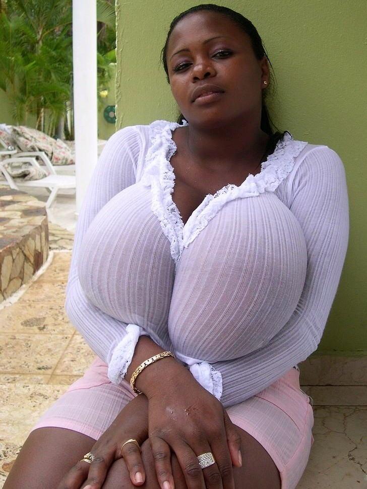 【爆乳オッパイエロ画像】(゚∀゚)キタコレ!!世界の美女のレベルを見せつける超乳が半端ないってwwwwwww 19 81